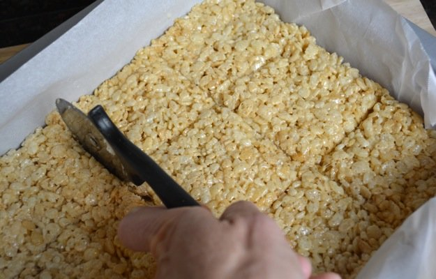 How to make rice krispie treats really amazing women for How do you make rice crispy treats