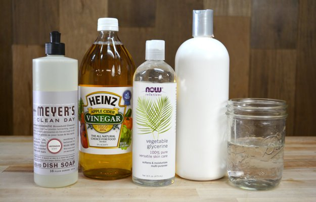 How to Make Homemade Dog Shampoo