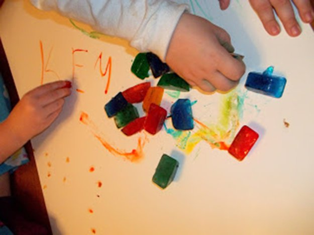 DIY-Kids-Crafts-Ice-Color-Art-Project