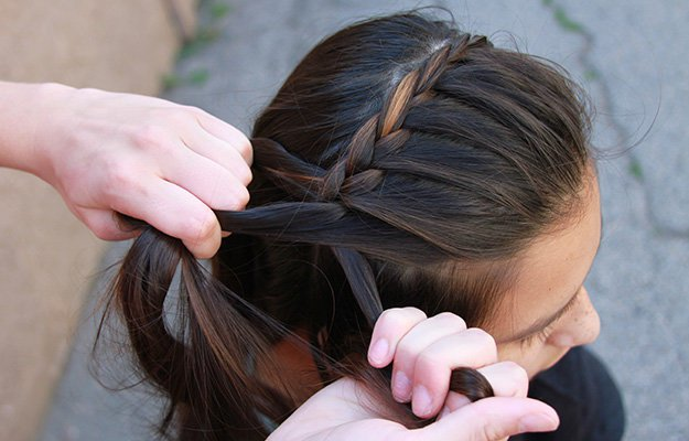 Cute Hair Styles With Braids: How To French Braid Hair