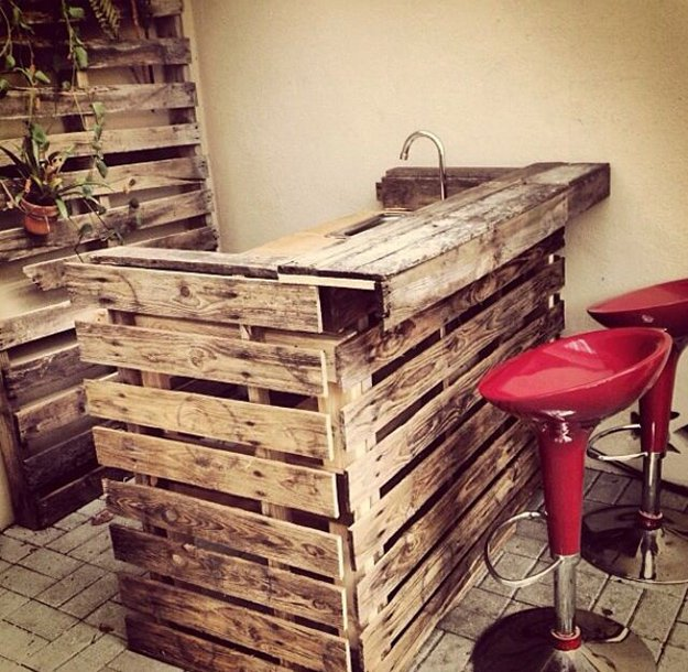 man cave DIY bar idea