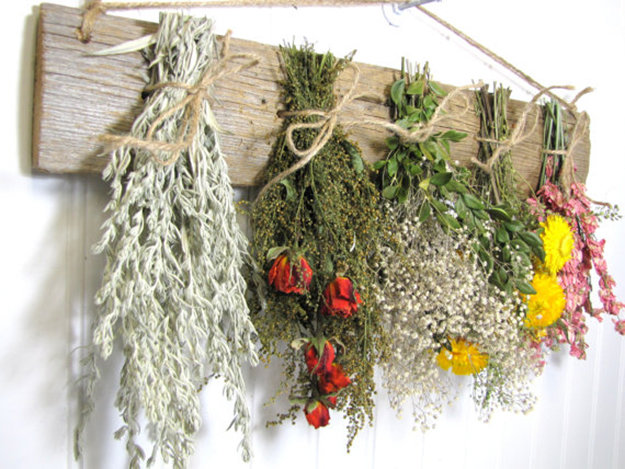 DIY Projects Things You Can Make Using Dried Herbs 5
